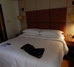 Das gemütliche Bett Sheraton Hotel & Resort Abu Dhabi