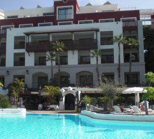 Sicht auf eines der Hotelgebäude Gran Tacande Wellness & Relax Costa Adeje