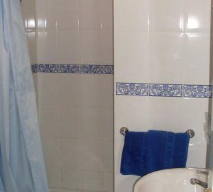 Dusche und Waschbecken Hotel Jable