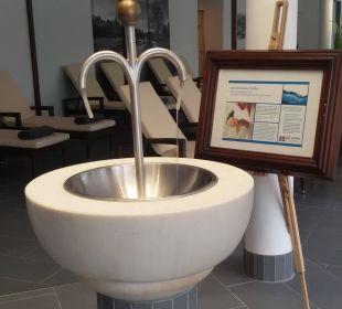 Trinkbrunnen im Lesebereich  Quellness Golf Resort - Das Ludwig