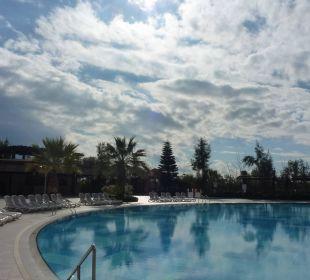 Nette Poolanlage Hotel Seamelia Beach Resort