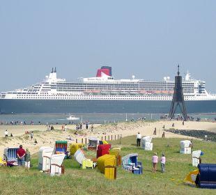 Schiffe gucken am Strand nur 250 m entfernt Haus Mühlentrift