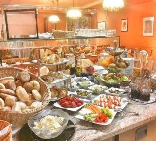 Frisches und vielseitiges Frühstücksbuffet Hotel Deutscher Kaiser im Centrum
