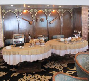 Frühstück im kleinen Rahmen Clarks Shiraz Hotel