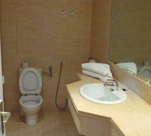 Großes Badezimmer Royal Lido Resort & Spa