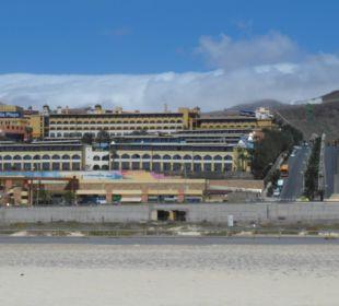 Widok z plaży Hotel Barcelo Jandia Playa