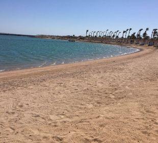 Leerer Hotelstrand Dana Beach Resort