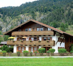 Außenansicht Kaiserwinkl Residenz am Hauchen Ferienwohnungen Neumaier