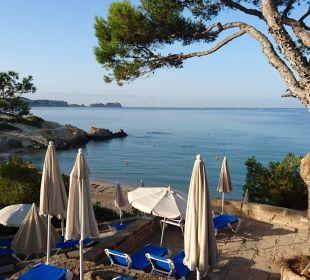 Blick Richtung kleinerer ruhigerer Strandbucht Universal Hotel Lido Park