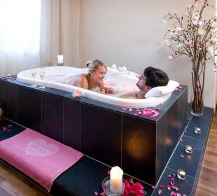 Bad zu zweit © Hotel Traube  Traube Braz Alpen.Spa.Golf.Hotel