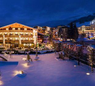 Verschneite Winterlandschaft Verwöhnhotel Berghof