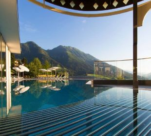 Infinity-Rooftop-Pool Alpina Family, Spa & Sporthotel