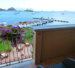 Blick vom Balkon auf die Bucht von Arranci Hotel Gabbiano Azzurro