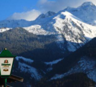 Aussicht nach links von der Seitenterrasse  Alpengasthof Enzianhof