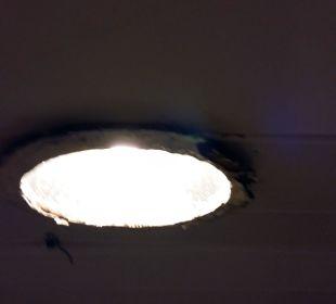 Lampa w łazience Barcelo Solymar Beach Resort