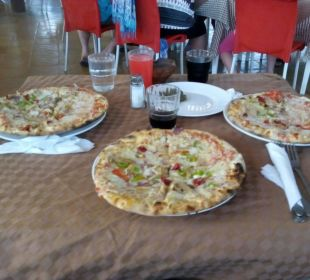 Lecker Pizza!  Hotel Samira Club