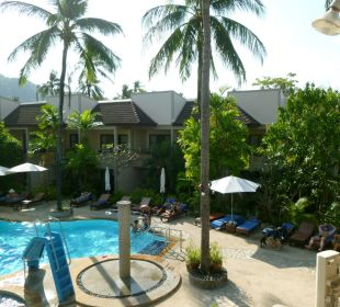 Pool mit Dusche Hotel Coconut Village
