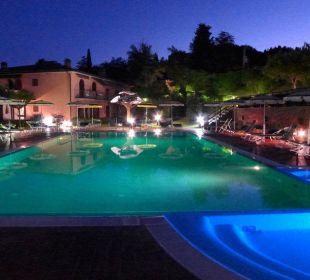 Piscina illuminata Hotel Sovestro