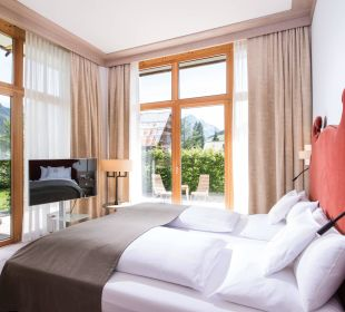 Familiensuite Schlafbereich Travel Charme Ifen Hotel Kleinwalsertal
