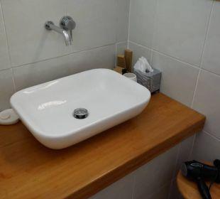 Waschbecken und Spiegel S'Arenada Hotel