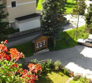 Blick zum Parkplatz Hotel Eder