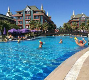 Aktivität am Pool Siam Elegance Hotels & Spa