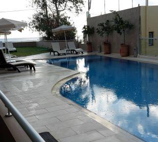 Der kleine Pool im 1.OG Hotel Corissia Princess