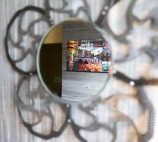 Zimmerdetail Einzelzimmer Amsterdam Boutique Hotel Träumerei #8 by Auracher Löchl
