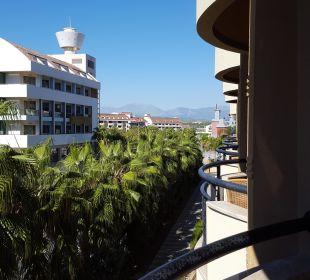 Ausblick Zimmer Balkon Landseite Hotel Royal Dragon