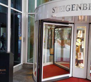 Eingang Steigenberger Hotel Hamburg