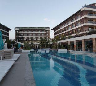 Pool von der Promenada aus gesehen Sensimar Side Resort & Spa