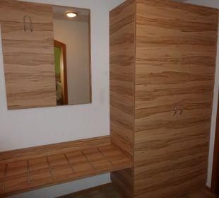 Eingangsbereich mit Garderobe Hotel Traube