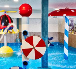 Wasserspiele im Kinderhallenbad Hotel Feldhof
