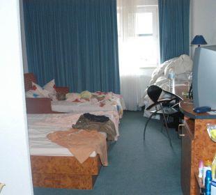 Unser Zimmer (gerade unaufgeräumt) Best Hotel Mindeltal