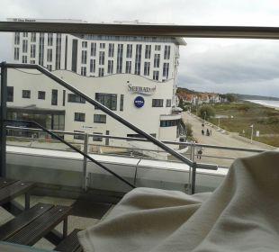Blick vom Saunaruheraum nach draußen. Hotel Neptun