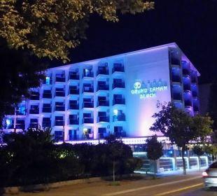 Vom Strand kommend  Hotel Grand Zaman Beach