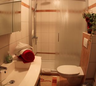 Dusche/WC Appartement Dobratsch Gästehaus Seewinkel