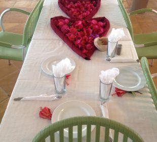 Unser lieber Kellner deckte unseren Tisch Hotel Samira Club