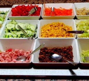 Das Angebot an Salaten JS Hotel Sol de Can Picafort