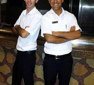 Volkan und Ali, die besten Kellner der Poolbar Adalya Art Side/Artside
