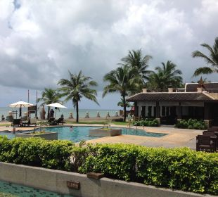 Pool mit Frühstückraum im Hintergrund Hotel Mukdara Beach Villa & Spa Resort