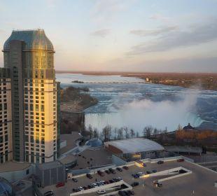 Blick auf Fälle Hotel Hilton Niagara Falls / Fallsview