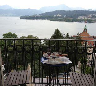 Vom Zimmer auf den See Art Deco Hotel Montana Luzern