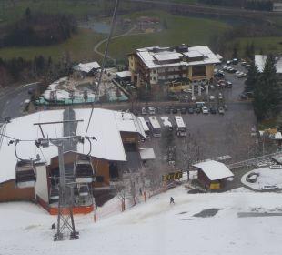 Ausblick von der Seilbahn zum Hotel Verwöhnhotel Berghof
