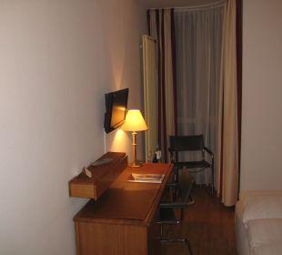 Sitz-/Fernsehbereich von der Tür aus gesehen