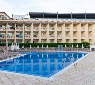 Pool und Hotel SENTIDO Porto Soller