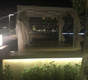 Gartenanlage White Beach Resort