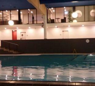 Tolles Schwimmbad im Hotel Carat Golf & Sporthotel Residenz