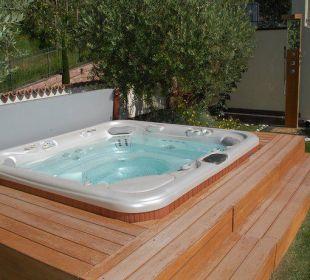 Einer der Whirlpools Luxury DolceVita Resort Preidlhof