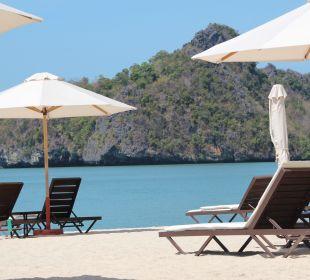 Liegen am Hotelstrand Hotel Tanjung Rhu Resort